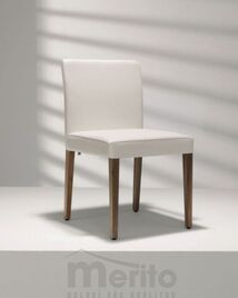 D 21-1/2 stolička s masívnymi nohami, Hülsta