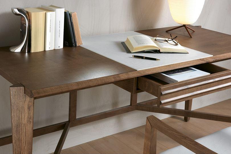 4086a895927fd ATHOS dizajnový písací stôl s čalúnenou zásuvkou P&C - NÁBYTOK ...