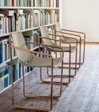 APELLE P dizajnová stolička s podrúčkami MIDJ