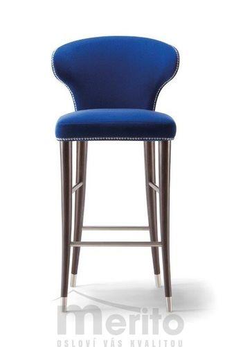 CAMELIA dizajnová barová stolička SG s kovovým ukončením masívne nožičky rôzne morenia látka koža