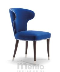 CAMELIA dizajnová stolička S s kovovým ukončením masívne nožičky rôzne morenia látka koža