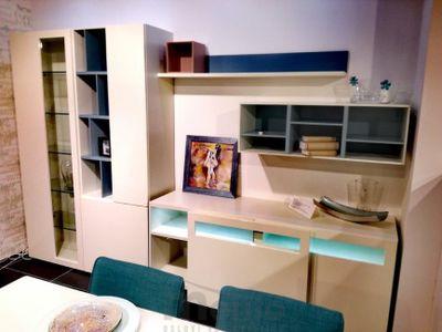 NOW VISION biela obývačka pracovňa študentská izba výpredaj biely lak